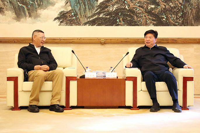 国文清会见中国地质矿产经济学会理事长张德霖